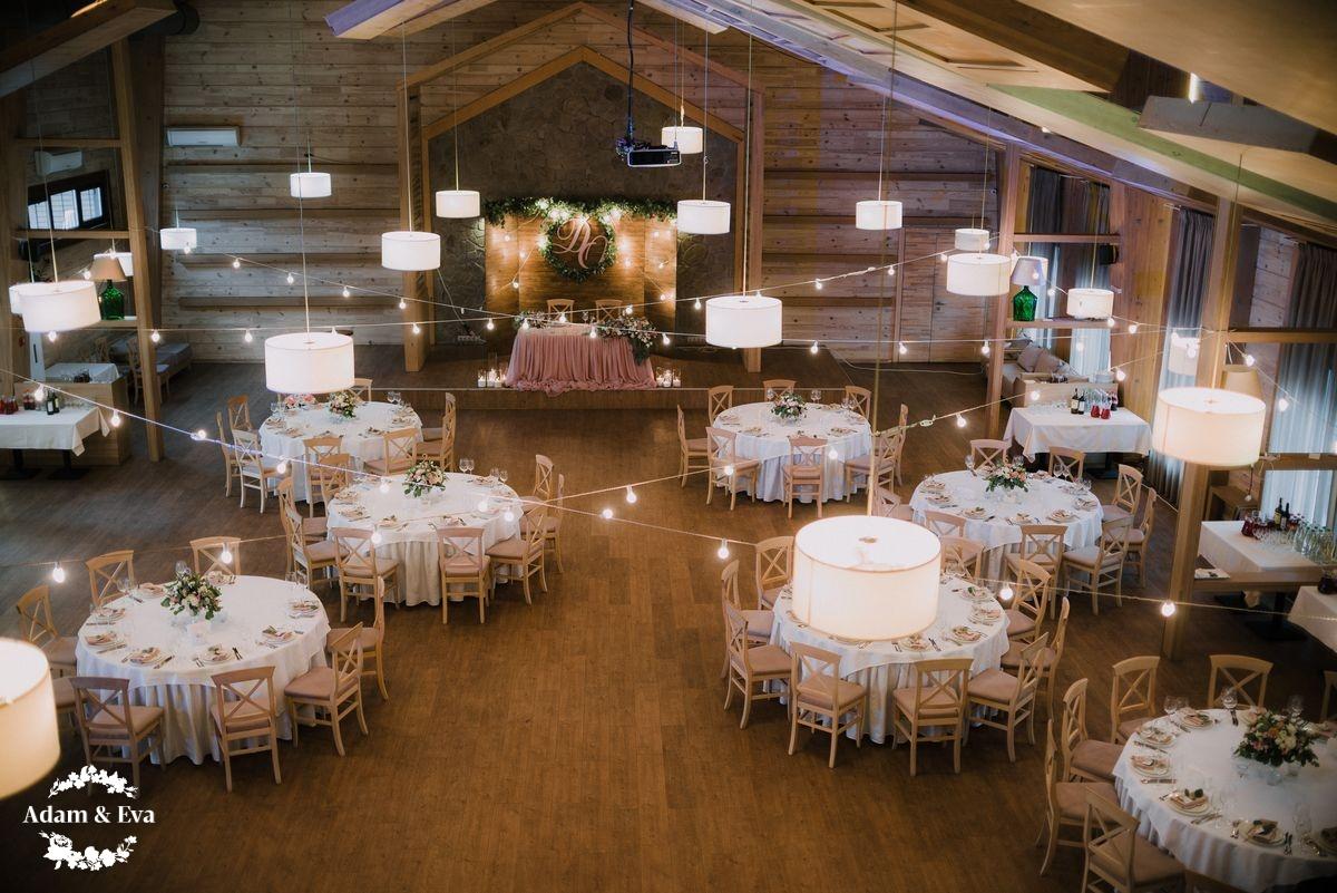 Як оформити весільний стіл
