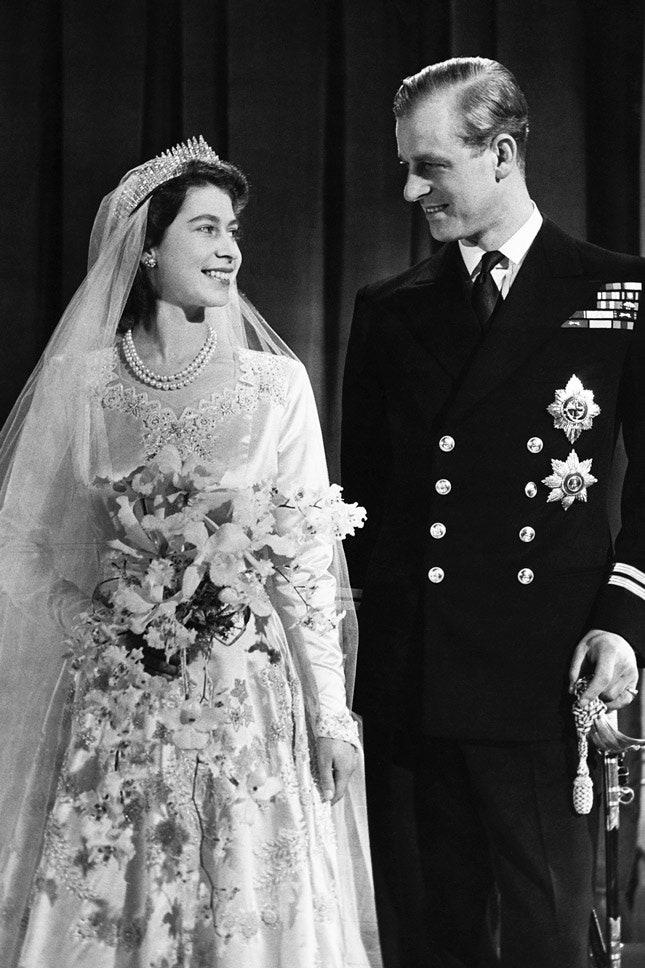 Принц Филипп и Елизавета II в Norman Hartnell, ноябрь 1947