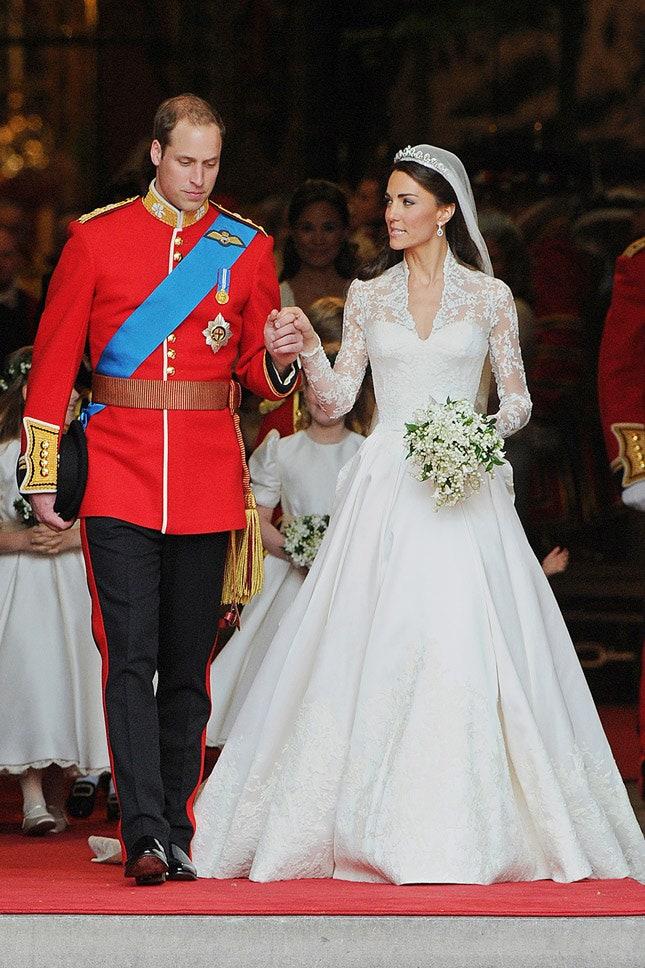 Принц Уильям и Кейт Миддлтон в Alexander McQueen, апрель 2011