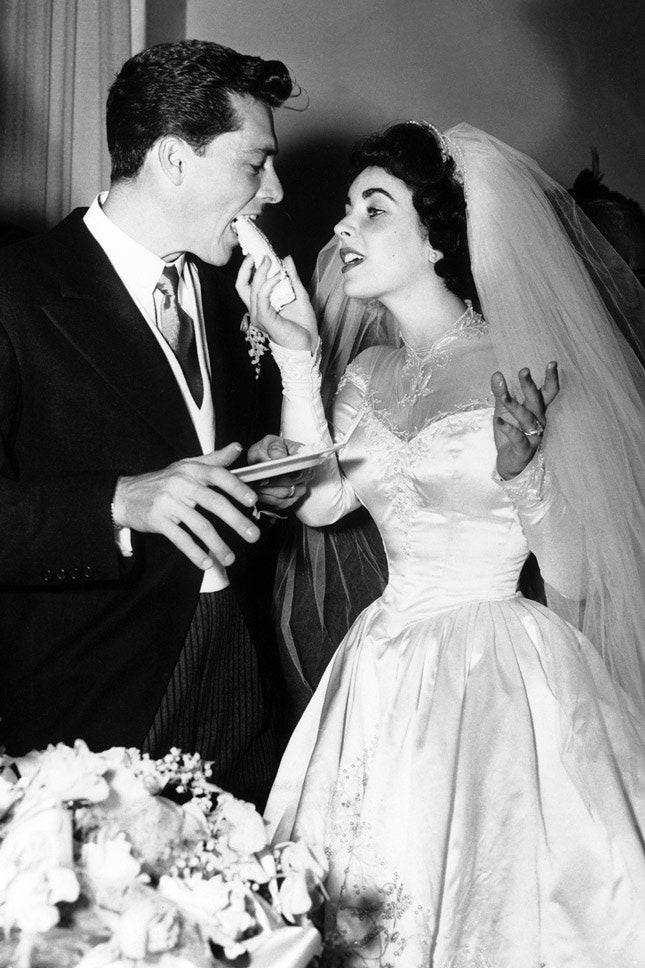 Конрад Хилтон и Элизабет Тейлор в Helen Rose, май 1950